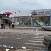 Автобус врезался в здание, 25.08.2012