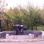 Памятник Афанасию и Феодосию на Соборной горке