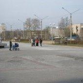 Площадь у Дворца металлургов