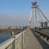 На Октябрьском мосту